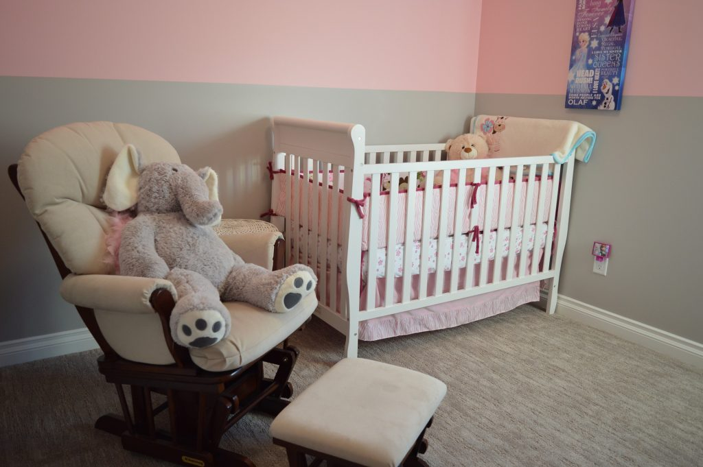 Interesting chambrebebe with fauteuil a bascule chambre bebe - Fauteuil a bascule chambre bebe ...